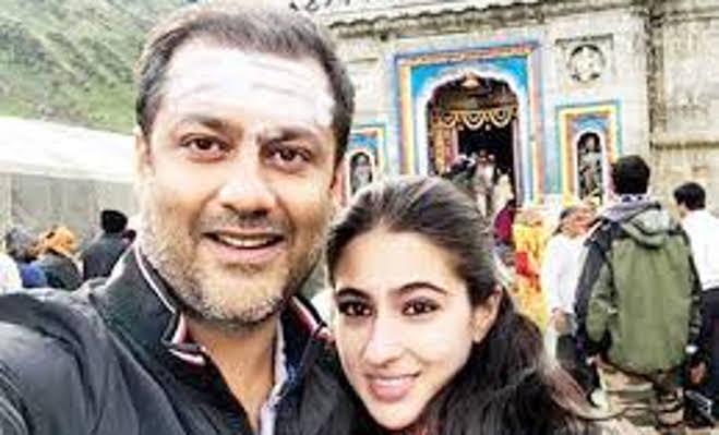 सैफ की बेटी सारा के करियर पर इस कारण लग गया ब्रेक,रुकी केदारनाथ की शूटिंग