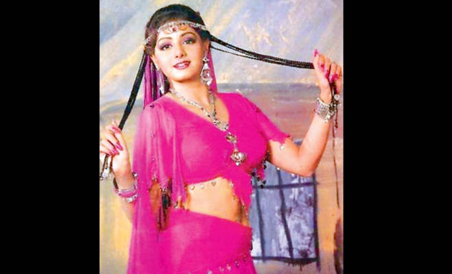 तस्वीरें : श्रीदेवी इस तरह बनी बॉलीवुड की पहली महिला सुपर स्टार,जानें इनके जीवन के कुछ अनसुने राज