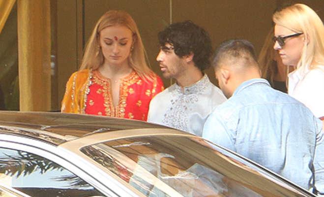 प्रियंका-निक की शादी में आई 'गेम ऑफ थ्रोन्स' स्टार सोफी टर्नर को लोग इसलिए बुला रहे 'संस्कारी स्टार्क'