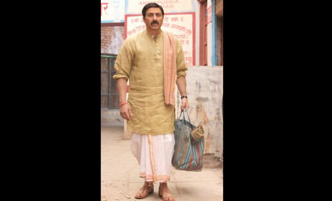 सनी के 'मोहल्ला अस्सी' का टीजर रिलीज,पहली बार दिखे इतने अजीब लुक में