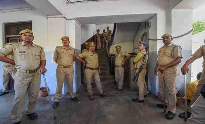 उन्नाव कांड: दूसरी आरोपी भी चढ़ी cbi के हत्थे,जानें घटना के वक्त विधायक कुलदीप के कमरे के बाहर क्या कर रही थी शशि सिंह