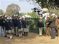 40 स्कूली बच्चों ने किया हेरिटेज वॉक