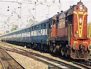 ट्रेनों के लिए आफत लेकर आई बारिश