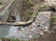सड़कों पर भरा सीवर का पानी, 'जहन्नुम' बना एजाज नगर