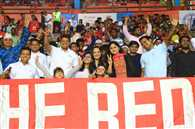 दर्शकों में दिखा मैच का रोमांच