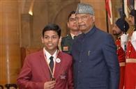 राष्ट्रपति से मिला आरुषि और विनायक को सम्मान