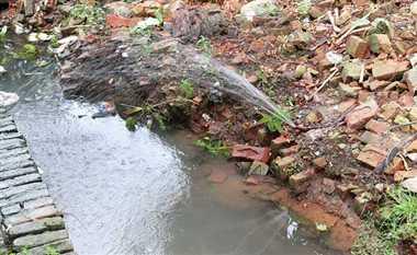 गंदा पानी पीने को मजबूर है शहरवासी