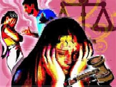 विवाहिता की संदिग्ध मौत, मर्डर का आरोप