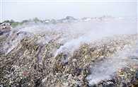 बाकरगंज के कूड़े में फिर से धधकी  आग