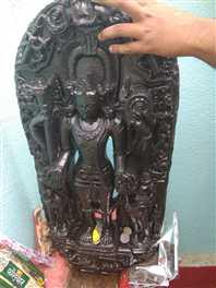 तालाब से निकली विष्णु की मूर्ति