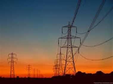 उपभोक्ता पर भारी, बिजली निगम में सालों से जमे कर्मचारी