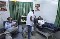 खून की किल्लत, डोनेशन को आगे आए लोग