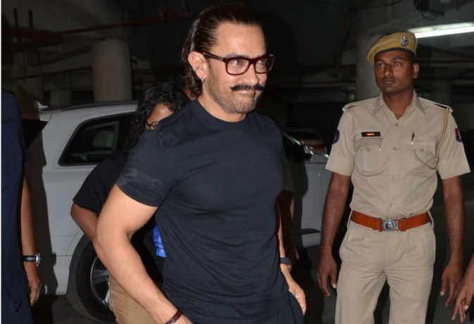 जोधपुर में फातिमा संग 'रेड' देखने पहुंचे आमिर खान, सामने आईं तस्वीरें
