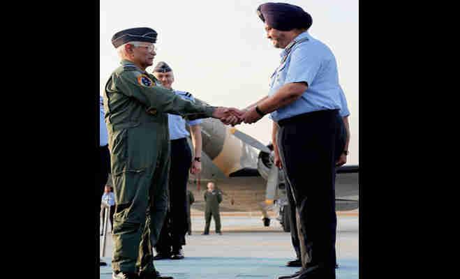 जानें कैसे नए नाम परशुराम के साथ भारतीय वायुसेना में फिर शामिल हो गया सालों पहले कबाड़ में जा चुका डकोटा विमान