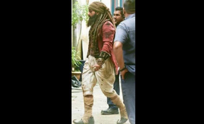तस्वीरें : इसलिए सैफ अली खान को लेना पडा़ ये खुंखार लुक,तैमूर भी देख कर गए डर