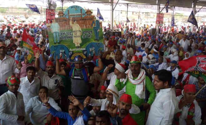 लोकसभा चुनाव 2019 : मायावती ने वाराणसी में पीएम पर साधा निशाना,ममता बनर्जी का किया समर्थन