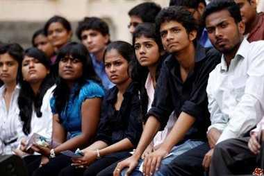 50 फीसदी छात्र हास्टल से गायब