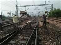4 घंटे के ब्लॉक से ट्रेनें हुई लेट, रेल यात्री हुए बेहाल