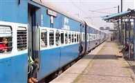 ट्रेन में दरोगा को बंधक बनाकर टीटीई ने लूटा