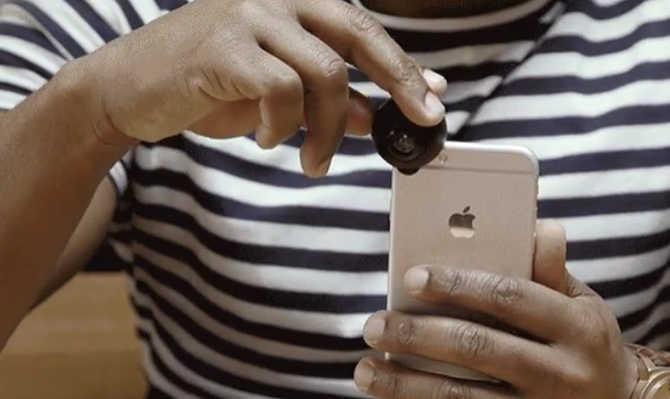 अपने स्मार्टफोन में लगाओ यह 360 डिग्री लेंस और एक बार में लगा लो दुनिया का पूरा चक्कर!