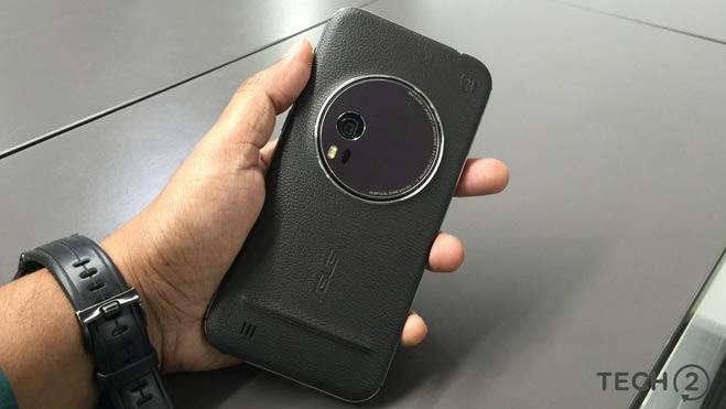 asus zenfone zoom review : कई खूबियों के साथ फोन की कुछ कमियां भी आपको करेंगी निराश