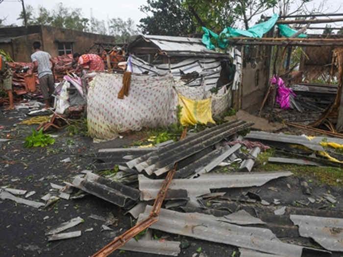 चक्रवाती तूफान 'बुलबुल' से पश्चिम बंगाल और ओडिशा में तबाही,3 लोगों की माैत,पीएम ने सीएम ममता से की बात