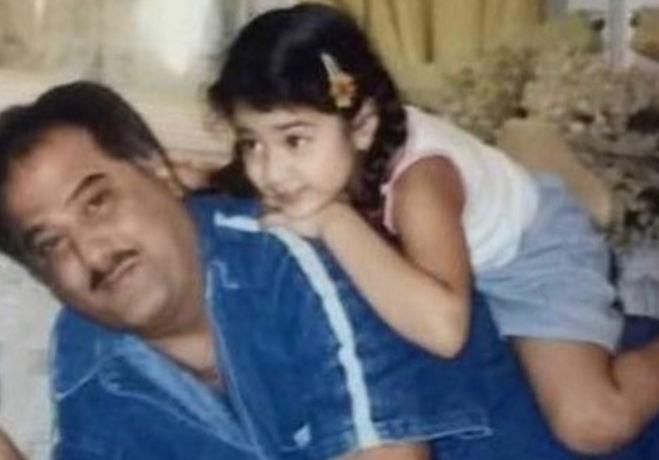 तस्वीरें : धड़क गर्ल जाह्नवी कपूर ने मां श्रीदेवी को उनके जन्मदिन इस तरह किया याद