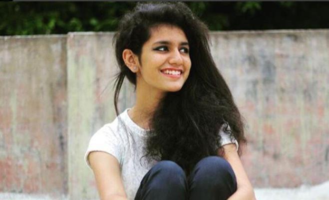 रणवीर की को-स्टार बनकर बॉलीवुड में डेब्यू कर सकती हैं प्रिया प्रकाश वारियर