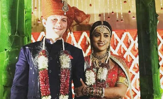 राधिका आप्टे ही नहीं इन बॉलीवुड एक्ट्रेस ने भी अपने विदेशी ब्वॉयफ्रेंड से की शादी,अब प्रियंका चोपडा़ की बारी