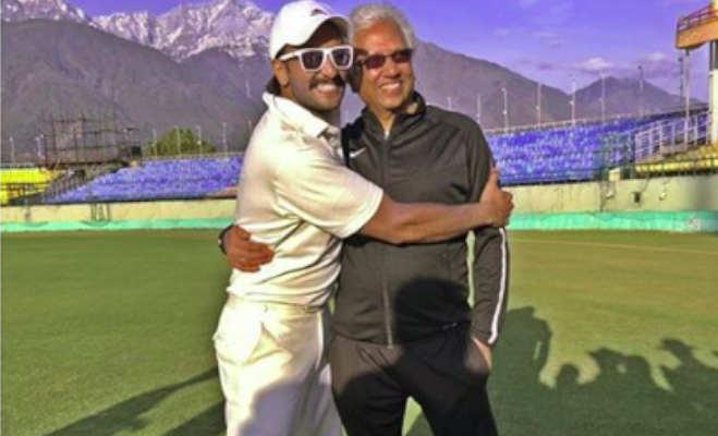 तस्वीरें: रणवीर ने शेयर की अपनी ऑनस्क्रीन क्रिकेट टीम की फोटो,इनसे ले रहे '83' के लिए ट्रेनिंग