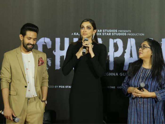 chhapaak trailer launch में दीपिका स्टेज पर इमोशनल हो रो पड़ीं,देखें तस्वीरें