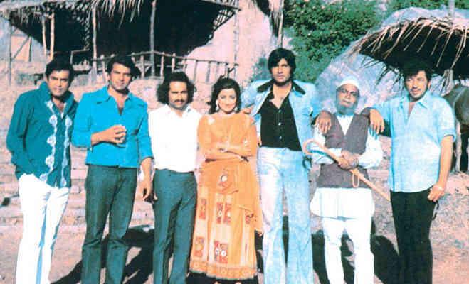 संजीव कुमार पुण्य तिथि : परिवार को मिला था ये श्रॉप,निधन के बाद रिलीज हुईं उनकी ये 10 फिल्में खास