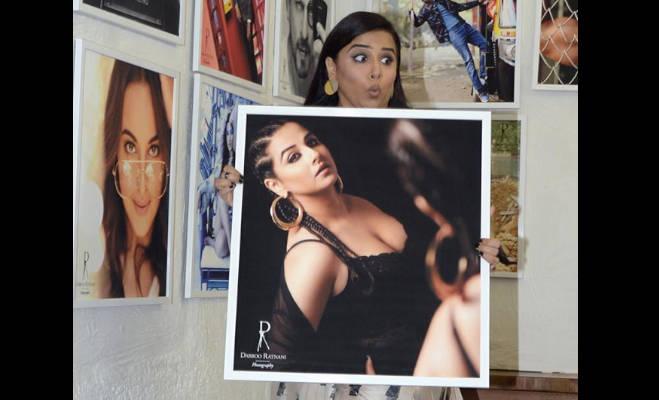 डब्बू रत्नानी के 2019 कैलेंडर की ये तस्वीरें देखीं क्या,सनी लियोनी से लेकर कार्तिक आर्यन तक दिखे हाॅट