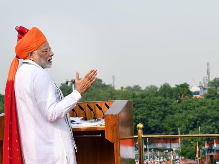 independence day : साल दर साल स्वतंत्रता दिवस पर कुछ ऐसे बदला पीएम मोदी की पगड़ी का अंदाज