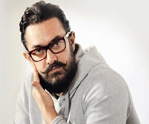 दादी कसम खा आमिर ने खुद को बताया धरती का नेक इंसान, जानें पूरा मामला