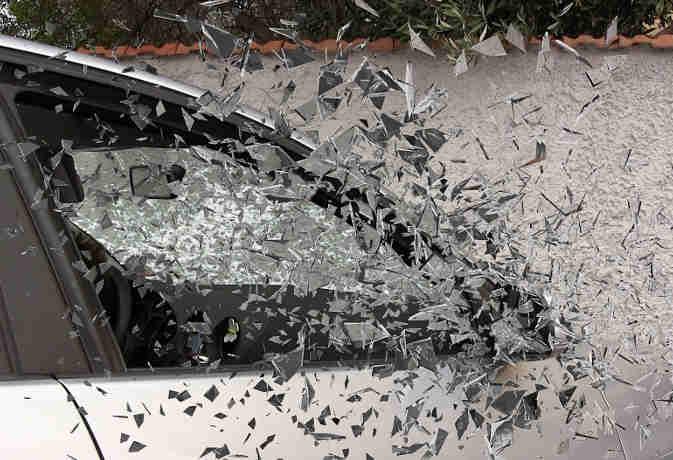 वियतनाम : कार दुर्घटना में एक ही परिवार के 14 सदस्यों की मौत