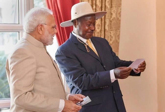 युगांडा में बोले पीएम मोदी, अब यहां भी लोग खरीद सकेंगे भारत में बना स्मार्टफोन
