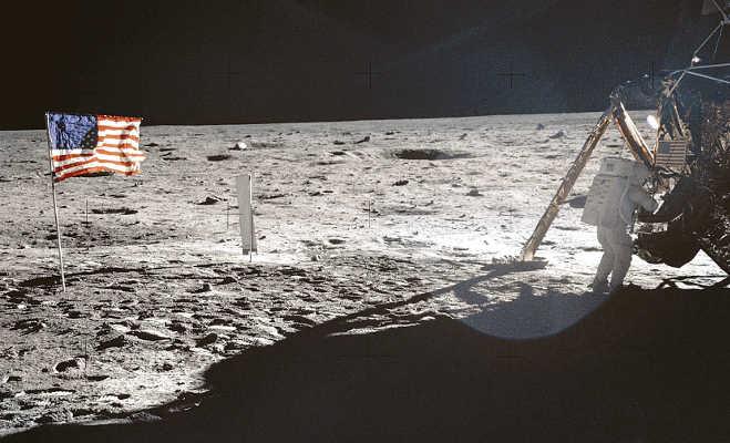 apollo 11: 61 करोड़ रुपये की किताब जिसके सहारे इंसान चांद तक पहुंचा