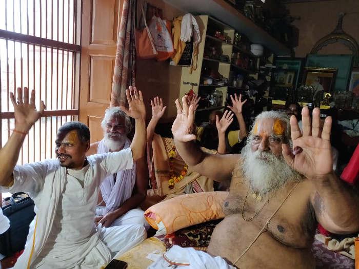 ayodhya case verdict 2019 ayodhya updates: रामजन्म भूमि न्यास-अध्यक्ष नृत्यगोपाल दास जनता से बोले,तन-मन-धन से मंदिर निर्माण में कीजिए सहयोग