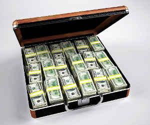 बरेली के प्रमुख उद्योगपतियों के पास मिला 335 करोड़ का 'कालाधन'