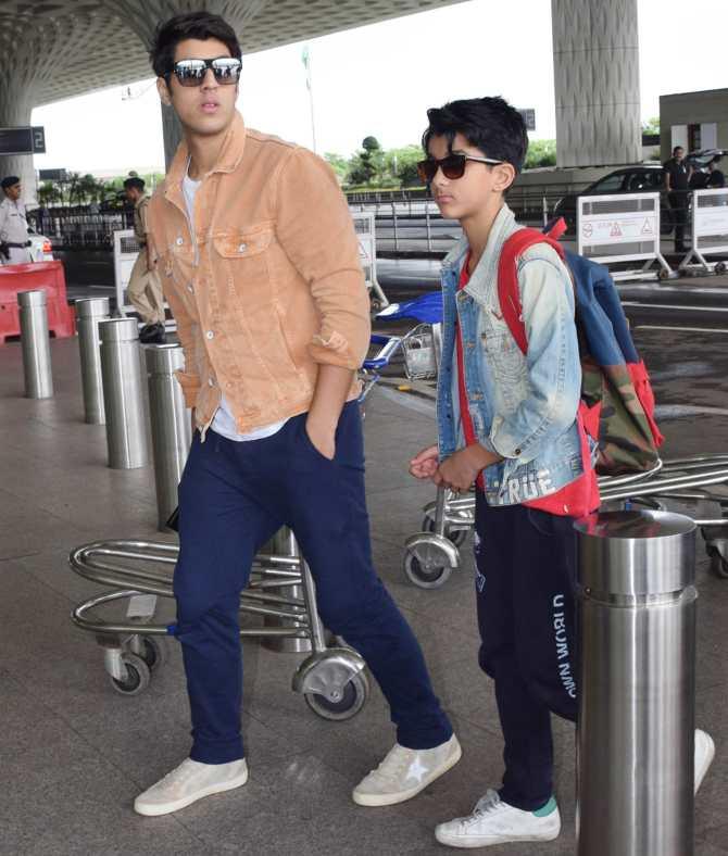 बॉबी देओल का बेटा किसी बॉलीवुड हीरो से नहीं है कम,एयरपोर्ट पर यूं दिखी बाप-बेटे की जोड़ी