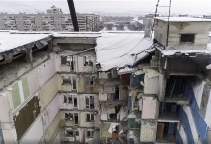 रूस में विस्फोट के बाद 10 मंजिला इमारत ढही : 39 लोगों की मौत, 35 घंटे बाद बचाया गया 10 महीने का मासूम