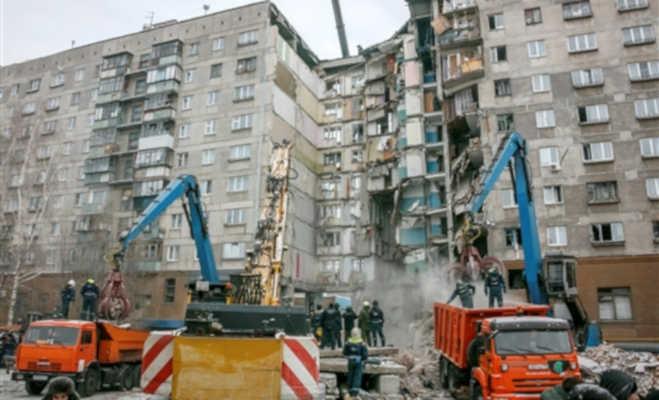 रूस में विस्फोट के बाद 10 मंजिला इमारत ढही : 39 लोगों की मौत,35 घंटे बाद बचाया गया 10 महीने का मासूम