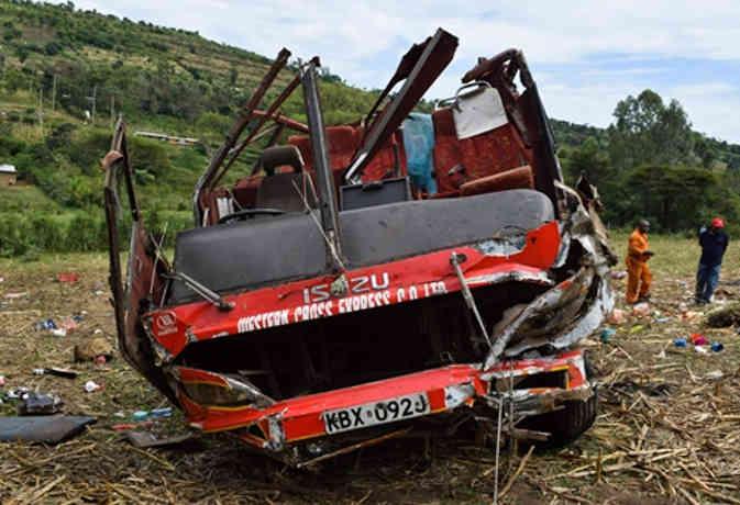 केन्या में बस दुर्घटनाग्रस्त, 50 लोगों की मौत