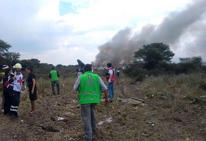 मेक्सिको में यात्री विमान दुर्घटनाग्रस्त, 97 लोग घायल, दो की हालत गंभीर