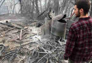 कैलिफोर्निया के जंगलों में पिछले हफ्ते लगी भीषण आग से अब तक 600 से अधिक लोग लापता