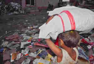 World Day Against Child Labour : 33 साल बाद भी बाल मजदूरी पर नहीं लगा लगाम