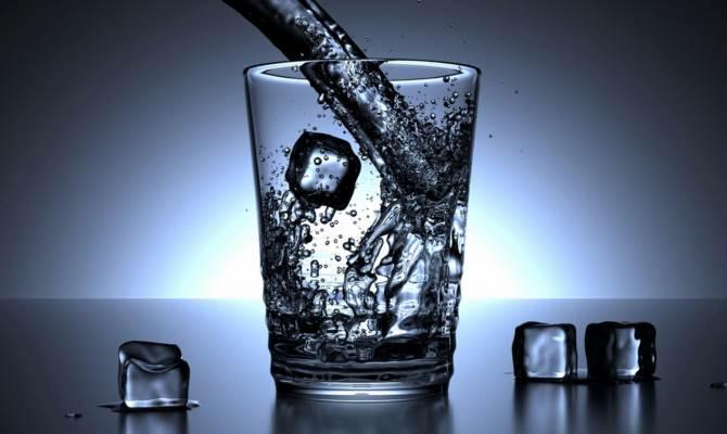 फ्रिज का चिल्ड पानी पीकर लोग कहते हैं वाह, लेकिन बाद में आहें निकल सकती हैं!