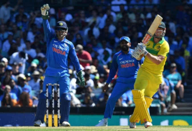 Ind vs Aus ODI : ऑस्ट्रेलिया के खिलाफ पहले वनडे में 34 रन से हारा भारत, रोहिता का शतक गया बेकार