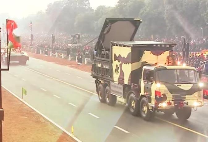 DRDO के सेना को तीन तोहफे, शामिल है परमाणु हमले के बावजूद दुश्मनों के दांत खट्टे करने वाला बख्तरबंद वाहन